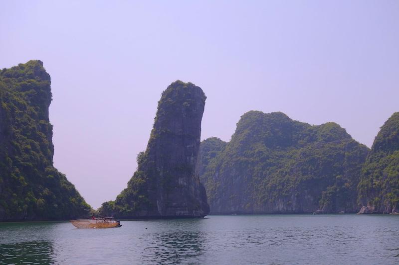 Baie d'hallong photo blog voyage tour du monde http://yoytourdumonde.fr