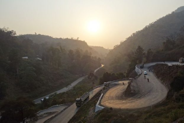 En faisant un trecking ou une randonnée de 2 jours et une nuit du coté des montagnes de Hsipaw vous allez pouvoir dormir chez l'habitant. photo voyage tour du monde https://yoytourdumonde.fr
