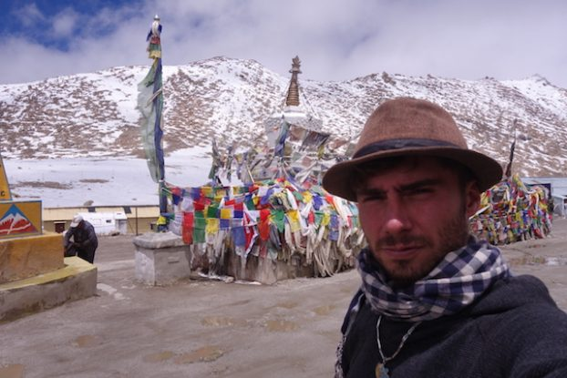 A plus de 5000 d'altitude sur la route la plus haute du monde qui se trouve au Ladakh photo blog voyage tour du monde https://yoytourdumonde.fr