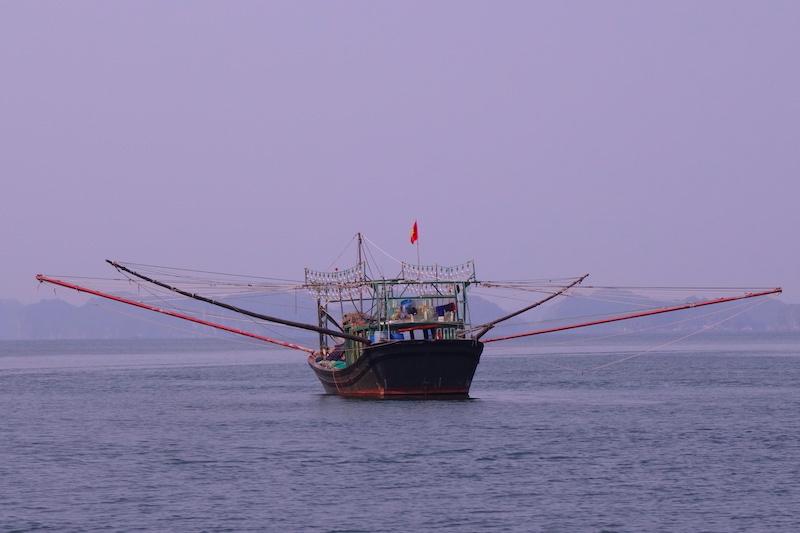 Bateau bay d'halong photo voyage tour du monde http://yoytourdumonde.fr