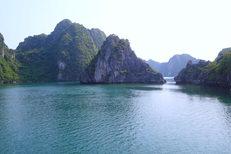 Baie d'Halong vietnam photo blog voyage tour du monde http://yoytourdumonde.fr