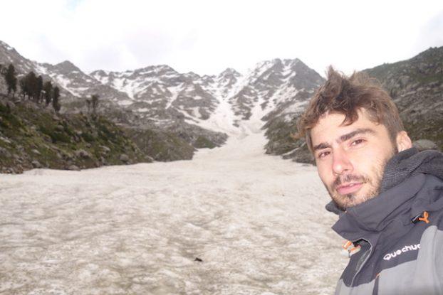 Trek sur glacier à Triund Hill en Inde pres de Dharamsala photo blog voyage tour du monde himalaya https://yoytourdumonde.fr