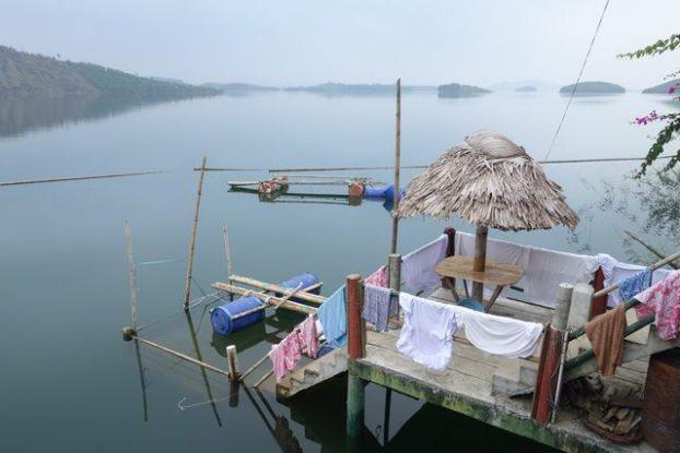 bateau-maisons-lac-thacba-vietnam-travel-voyage-vulinh