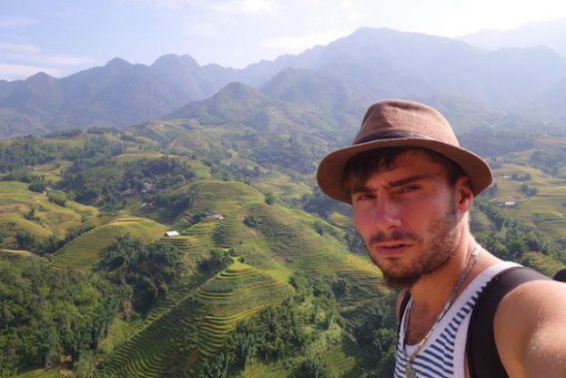 selffie portrait sapa vietnam photo tour du monde https://yoytourdumonde.fr