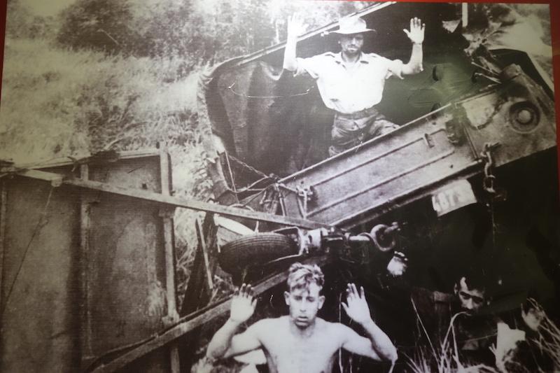 Soldats français prisionniers à Dien Bien Phu photo tour du monde http://yoytourdumonde.fr