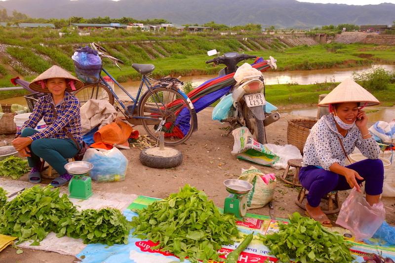 Le marché de Dien bien phu photo voyage tour du monde vietnam france http://yoytourdumonde.fr