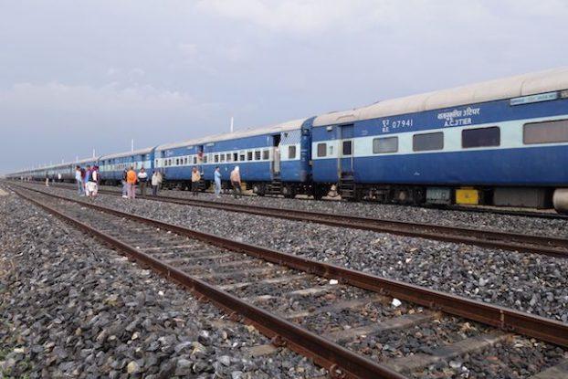 Train jodhpur photo voyage tour du monde blog https://yoytourdumonde.fr