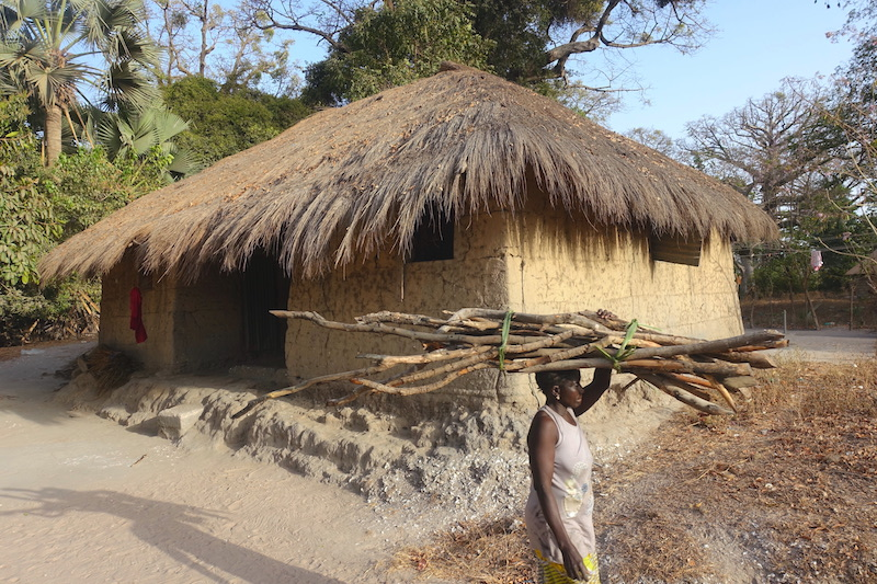Sénégal Casamance Bouyouye village solaire photo blog voyage tour du monde http://yoytourdumonde.fr