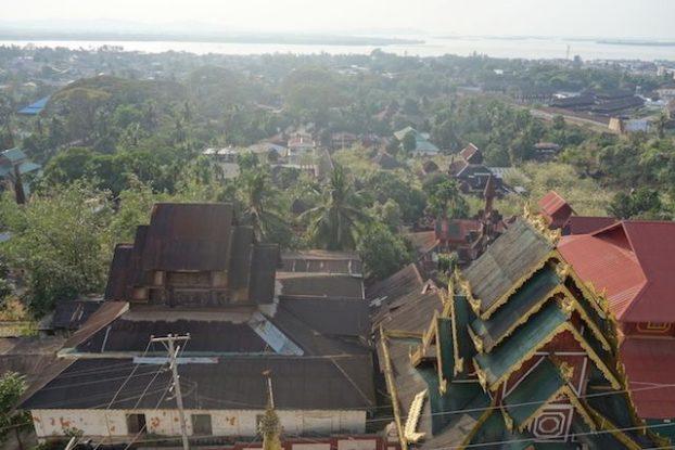les pagodes ou temple de Mawlamyine sont de toutes beauté. Il faut absolument aller les visiter. Photo blog voyage tour du monde https://yoytourdumonde.fr