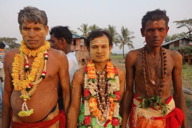 portrait d'hindouiste pour la celebration d'une fete de shiva en birmanie photo blog tour du monde https://yoytourdumonde.fr