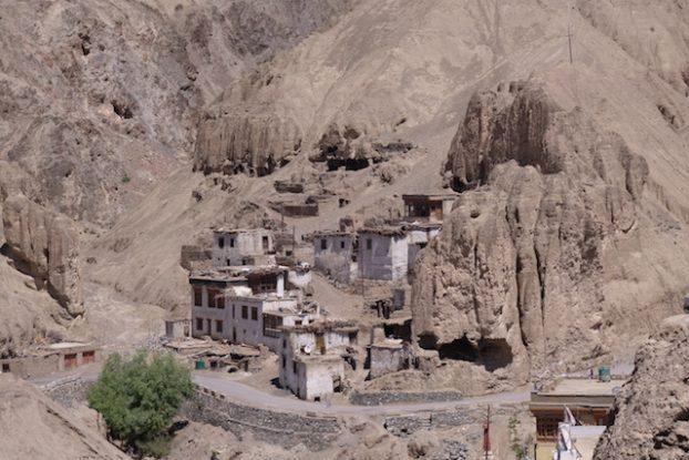 Magnifique monastere au Ladakh en Inde photo voyage tour du monde https://yoytourdumonde.fr