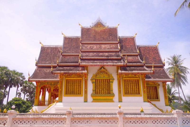 Temple bouddhiste à Luang Prabang au Laos photo blog voyage tour du monde http://yoytourdumonde.fr