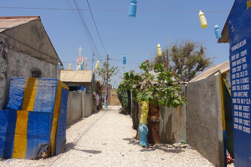N'hesitez pas à aller à la rencontre des gens du coté de l'ile aux coquillages photo blog voyage tour du monde https://yoytourdumonde.fr