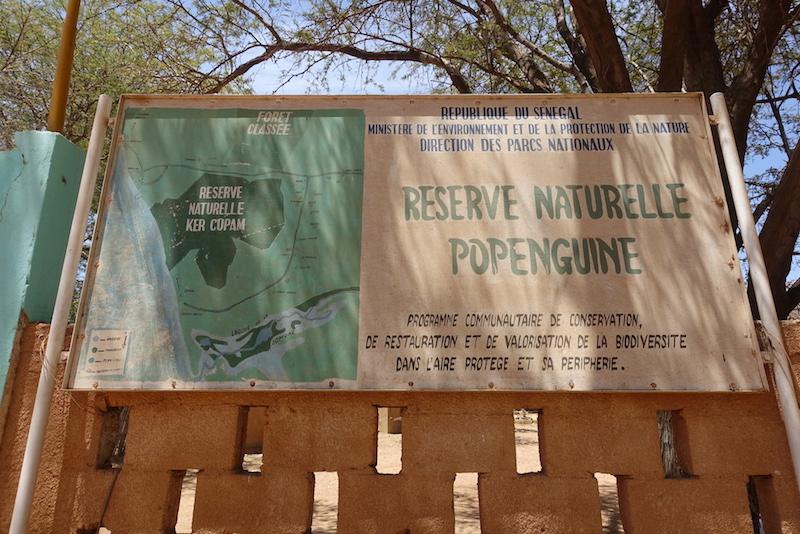 Panneau de la réserve naturelle de Popenguine au Sénégal