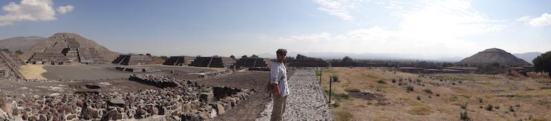 Yohan Taillandier voyageur du coté de Teotihuacan près de Mexico City photo blog voyage tour du monde travel https://yoytourdumonde.fr