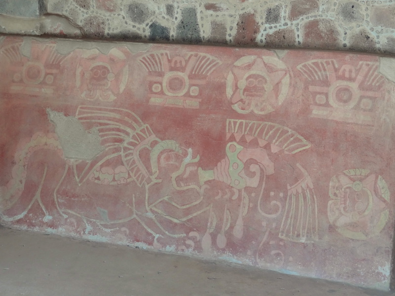 Frise à Teotihuacan photo blog voyage tour du monde travel https://yoytourdumonde.fr