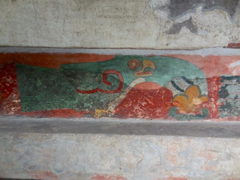 Art retrouvé à Teotihuacan près de Mexico City photo blog voyage tour du monde travel https://yoytourdumonde.fr