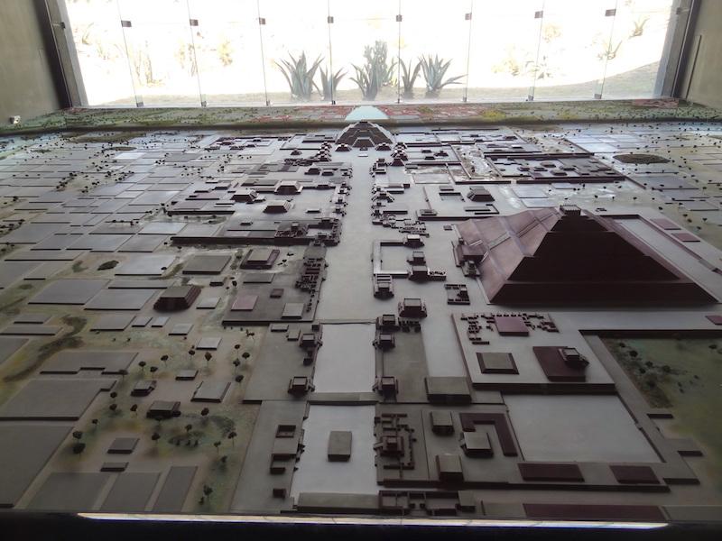 Le musée de Teotihuacan est interessant pour comprendre la ville photo blog voyage tour du monde travel https://yoytourdumonde.fr