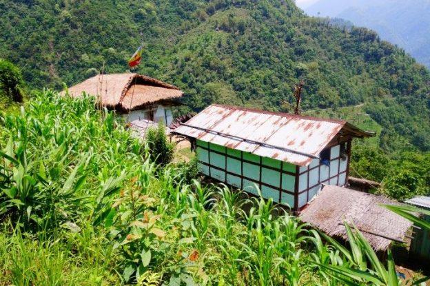 architecture du coté du sikkim en inde dans l'himalaya photo blog voyage tour du monde https://yoytourdumonde.fr