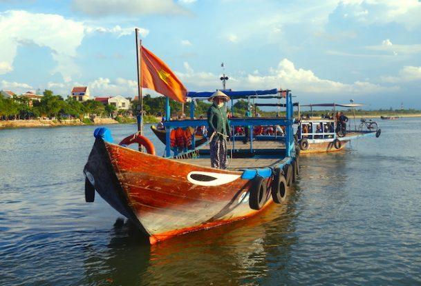 Dans l'ancien temps la rivière Thu Bon relié Hoi An à la mer; Photo blog voyage tour du monde https://yoytourdumonde.fr
