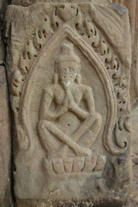 La barbe de Shiva est facilement reconnaissable dans les temples d'Angkor au Cambodge. Photo blog https://yoytourdumonde.fr