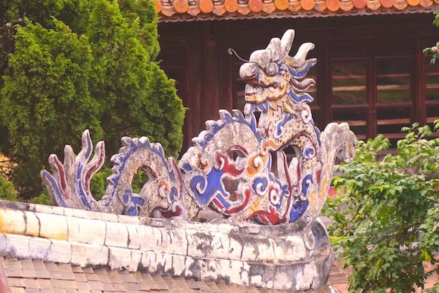 Dragon vietnam hué photo blog voyage tour du monde http://yoytourdumonde.fr