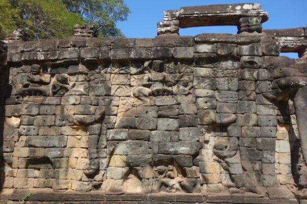 Sculpture des temples d'Angkor blog photo https://yoytourdumonde.fr