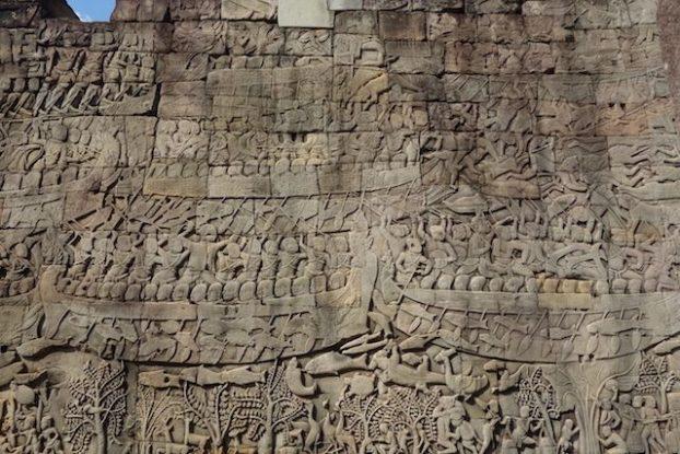 bas relief dans les temples d'Angkor photo blog https://yoytourdumonde.fr