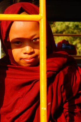 moine-bouddhiste-celebration-birmanie