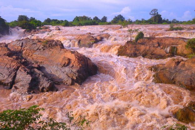 Mekong non praticable 4000 iles photo blog voyage tour du monde laos https://yoytourdumonde.fr