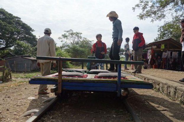 Exemple de wagon avec le train en bombou à Battambang blog photo https://yoytourdumonde.fr