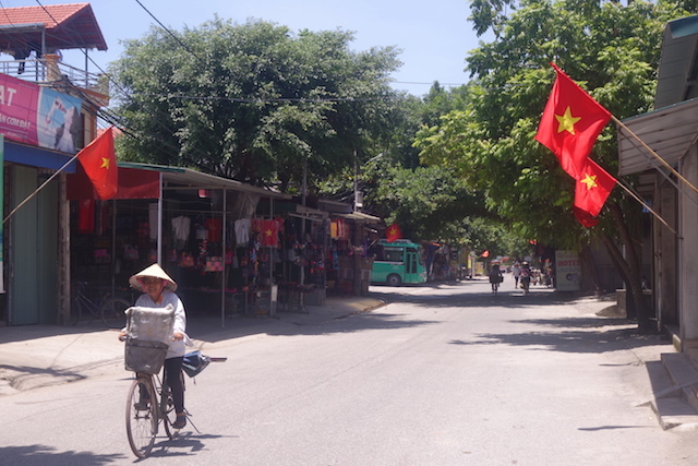 Près de Tam Coc photo blog voyage tour du monde http://yoytourdumonde.fr