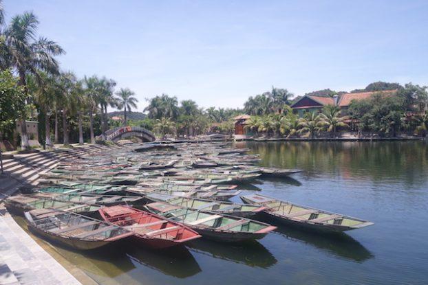 Embarcadère Baie d'Hallong Terrestre Tam Coc photo blog voyage tour du monde https://yoytourdumonde.fr