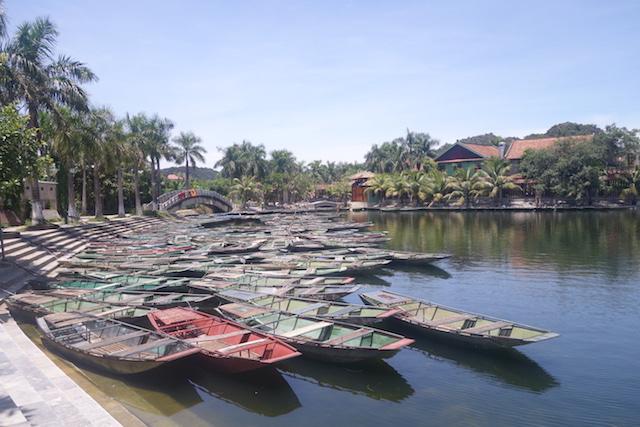 Embarcadère Baie d'Hallong Terrestre Tam Coc photo blog voyage tour du monde http://yoytourdumonde.fr