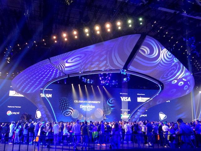 Le concours eurovision de la chanson a Kiev ici la scène