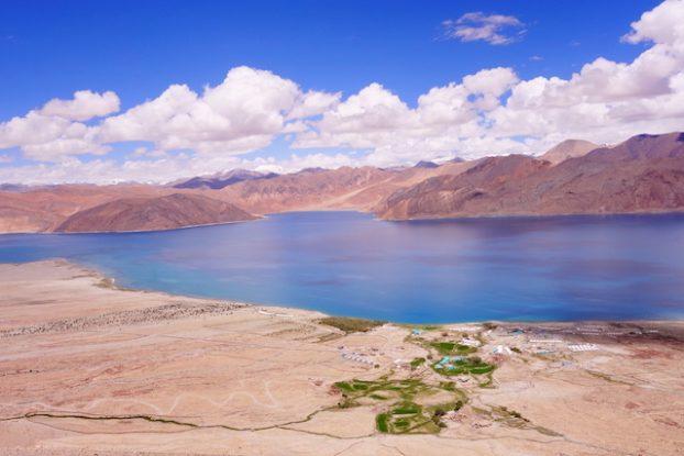 Pansong Tso dans l'est du Ladakh photo blog voyage tour du monde https://yoytourdumonde.fr