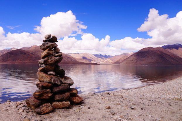 Paysage incroyable du ladakh photo blog voyage tour du monde https://yoytourdumonde.fr