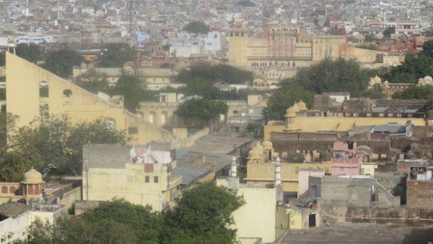 Inscrit au patrimoine mondiale de l'unesco l'observatoire de jaipur est vraiment à visiter photo blog voyage tour du monde https://yoytourdumonde.fr