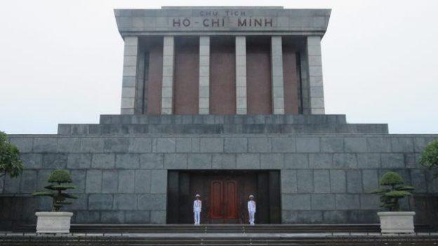 Hanoi-Vietnam: C'est a Hanoi dans la capitale que se trouve le Mausolee d'Ho Chi Minh, le pere de l'independance du Vietnam.