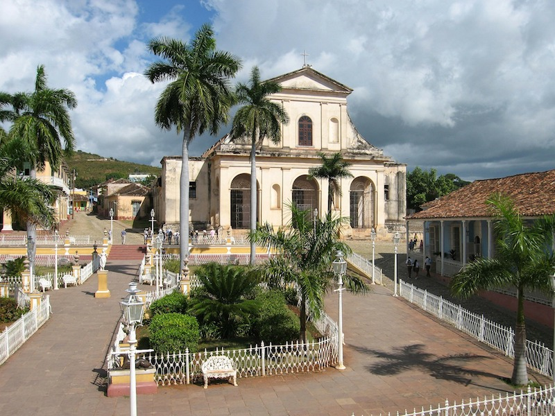 Joep Wijsbek de Pixabay Place centrale de Trinidad inscrit à l'Unesco photo blog voyage tour du monde https://yoytourdumonde.fr