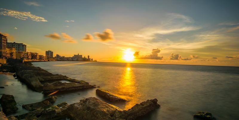La Havane Malecon couché du soleil photo de 7315741 de Pixabay photo blog voyage tour du monde https://yoytourdumonde.fr