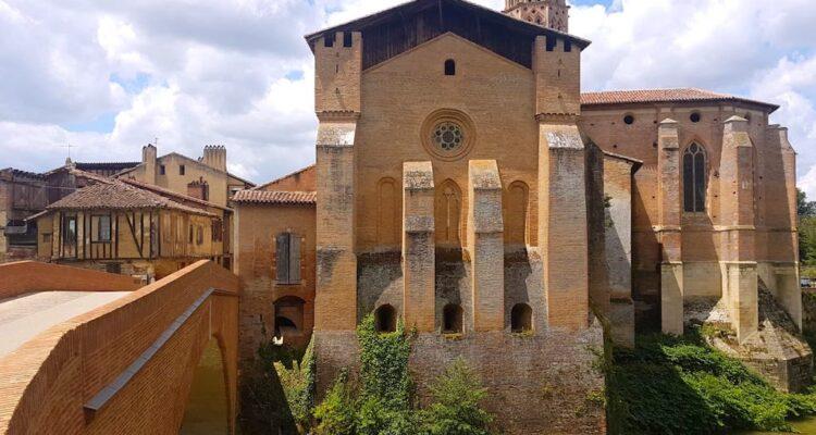 Visite du superbe village de Rieux-Volvestre en Haute Garonne dans le sud de la France photo blog voyage tour du monde https://yoytourdumonde.fr