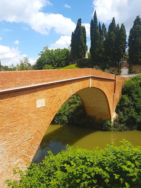 Magnique pont Lajous à Rieux-Volvestre en Haute Garonne France https://yoytourdumonde.fr