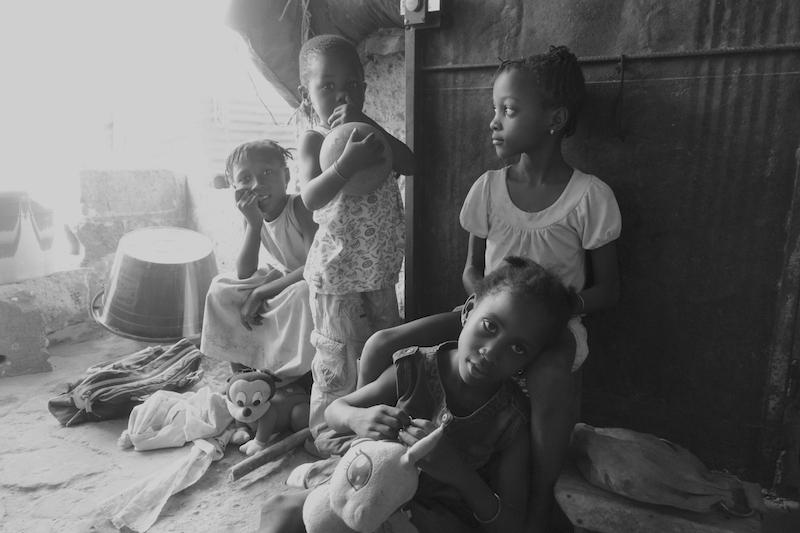 Photo de famille Ziguinchor Casamance photo blog voyage tour du monde https://yoytourdumonde.fr