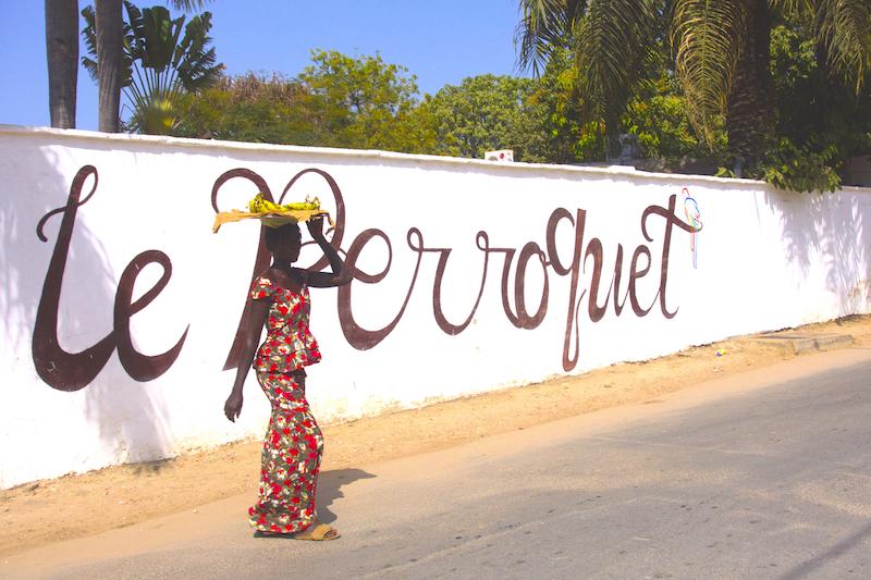 e Perroquet est vraiment un très bon hotel du coté de Ziguinchor en Casamance photo blog voyage tour du monde https://yoytourdumonde.fr
