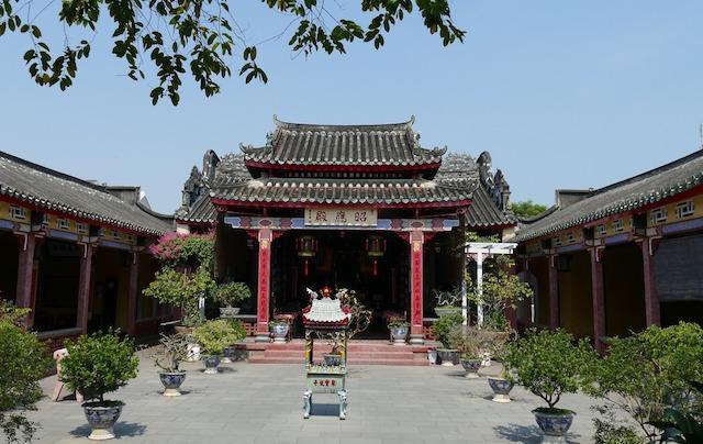 L'un des nombreux monuments historiques d'Hoi An au Vietnam photo blog voyage tour du monde http://yoytourdumonde.fr