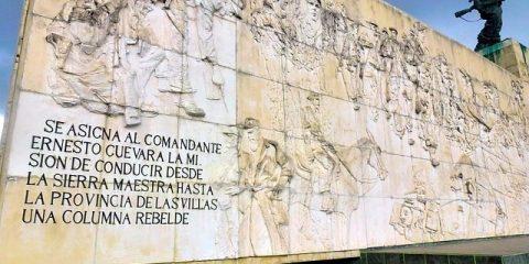 Monument en hommage à la révolution cubaine photo blog voyage tour du monde https://yoytourdumonde.fr