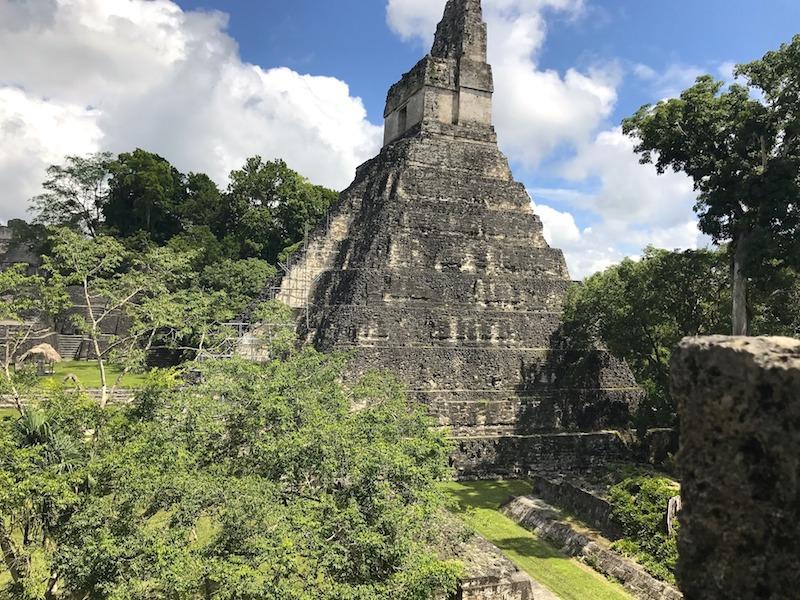 Tikal au Guatemala Pixabay par ickandgak. Photo blog voyage tour du monde travel https://yoytourdumonde.fr