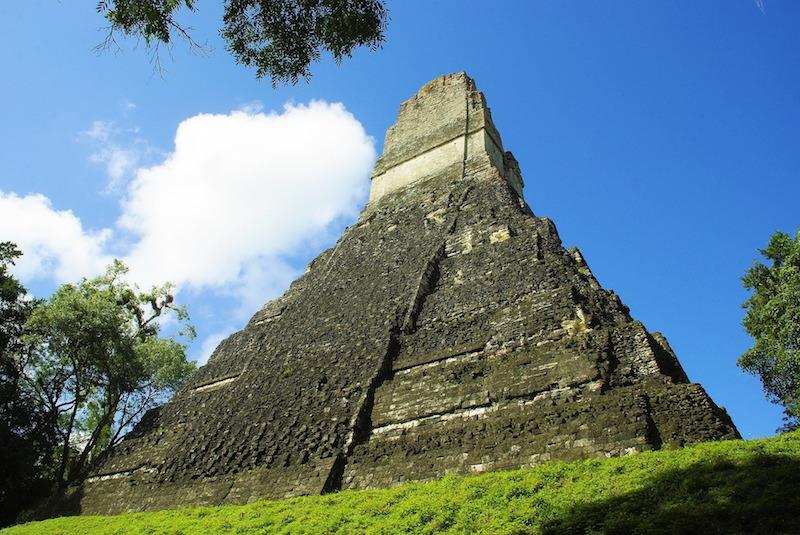 Tikal au Guatemala Pixabay photo par Dezalb. Blog voyage tour du monde travel https://yoytourdumonde.fr
